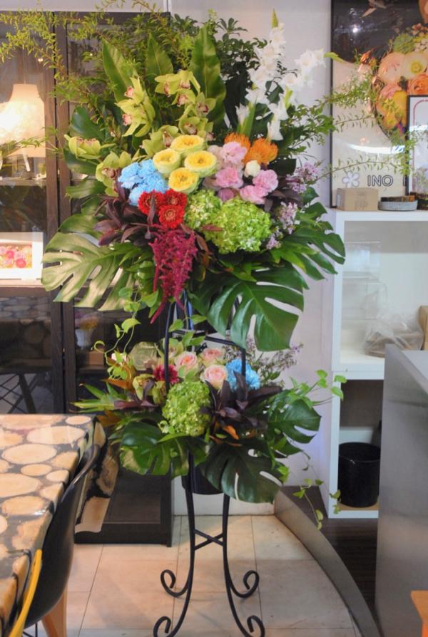 姶良市へ開院祝い生花スタンドのお届け